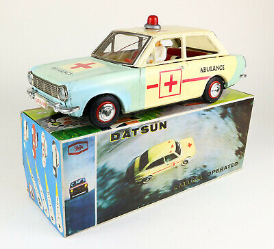 SOLPA Datsun Sunny 1000 Ambulance boxed tin toy car 60s Blech Auto Greece Bandai