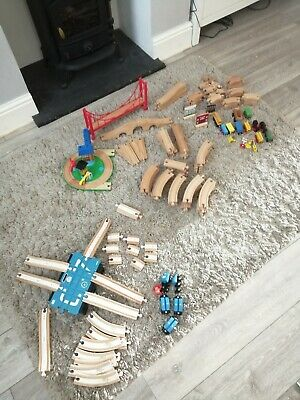 95kg Brio 100 Piece Magnetic Link Train Set With Carriages Tracks