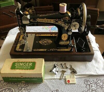 Vintage Singer Sewing Machine 28K With Buttonhole   Attachment & Case 1930