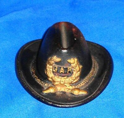 """VINTAGE ANTIQUE 1902 CAST IRON G.A.R. HAT PAPERWEIGHT 4"""" x 3"""" wide LOOK"""