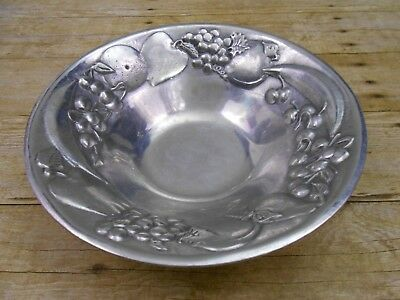 "Vtg THE WILTON Co. RWP Pewter Round Embossed FRUIT Design Serving BOWL 9.25"" GUC"