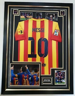 LIONEL MESSI of Barcelona Signed Photo Picture with Jersey Shirt Autographed