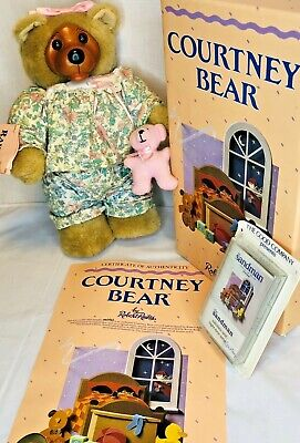ROBERT RAIKES COURTNEY BEAR WOOD FACE AND FEET KKK3592 W//music Cassette Unop