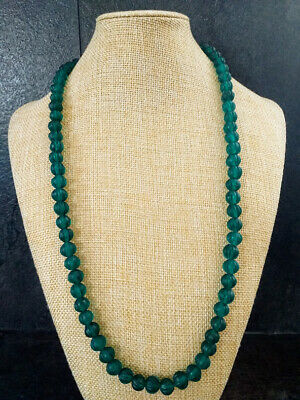 ANTIQUE VINTAGE CHINESE CARVED emerald green PEKING GLASS BEAD NECKLACE