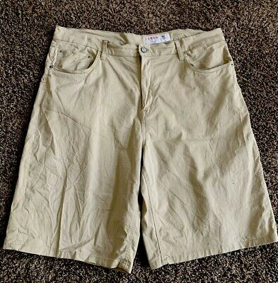 Big Mens Size 42 IZOD KHAKI Casual, Walking,Hiking Flat Front Relaxed Fit Shorts
