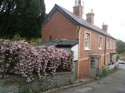 Dog FriendlyHoliday Cottage to let in Mid Wales, Close to Major Walking Routes