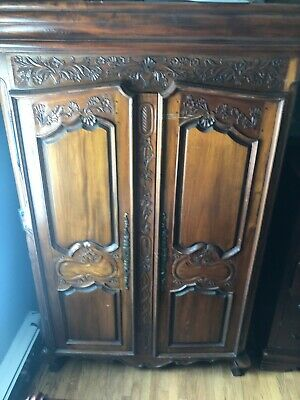 French Antique Armoire/Wardrobe in Solid Oak Highly Carved