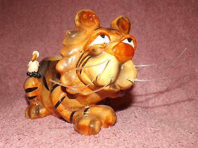 Douglas Glazed Lion With Small Bird, 19Cm Long With Wiskers, 13Cm Tall