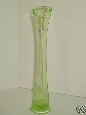 Depression Glass Swung Vase Green Ribbed Saw tooth Rim Art Glass Fluted Scallop