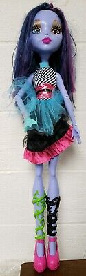"""Monster High Voltageous Ghoul Eye Changer 28"""" Tall Doll with Dress 2004"""