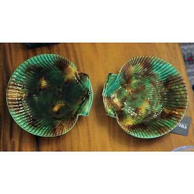 Antique Pair of Wedgwood Majolica Footed Dishes
