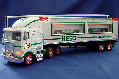 Hess Toy Truck and Racers 1997 MIB