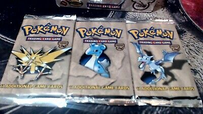Fossil booster pack WEIGHED LIGHT 19 left  !!