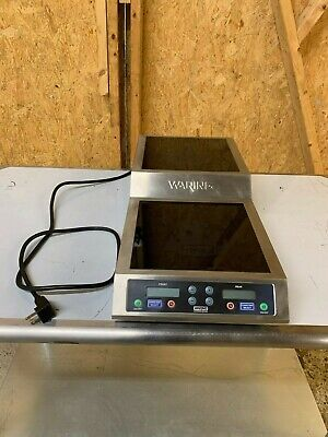 Waring WIH800 Countertop Commercial Induction Cooktop w/ (2) Burners