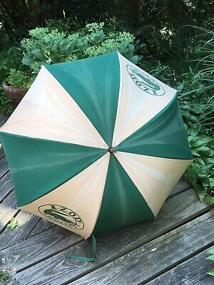 Parasol Izod Lacoste Alligator Vtg Umbrella Wood Handle Golf Rare Advertisement