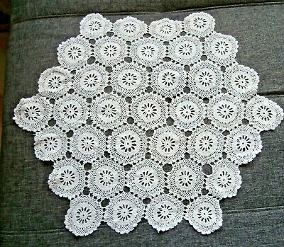 "VINTAGE WHITE COTTON HAND WORKED CROCHET LACE TABLE MAT/DOILY~18"" diam."