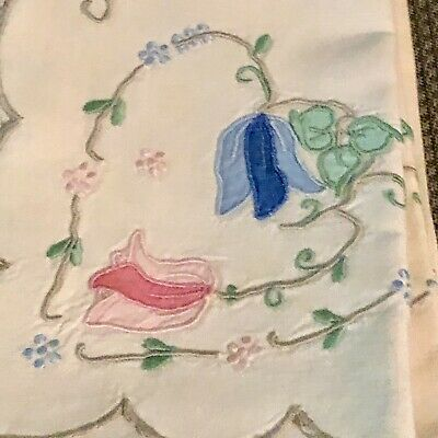 Vintage Madeira Embroidered Applique Linen Tablecloth 12 Napkins Hearts Flowers