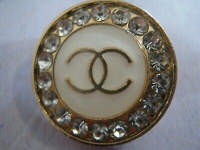 CHANEL  1 CC  LOGO WHITE, MATTE GOLD RHINESTONES 18mm BUTTON THIS IS FOR ONE