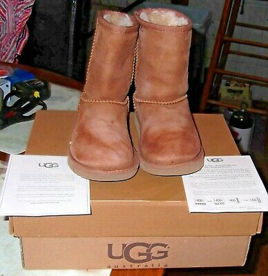 d95ce74a4f5 LITTLE GIRL'S UGG Classic Short Suede Chestnut Boots Size 4 S/N 5251 ...