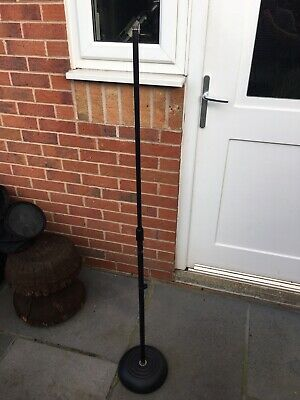Adam Hall Round Base Microphone Stand