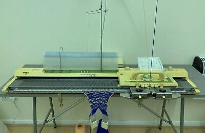 Brother KH881 Knitting Machine ** In Great Condition**