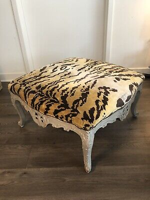 Exquisite French Louis XV Ottoman With Ornately Carved Cabriole Legs & Frame