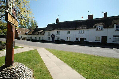 Thatched cottage Sept 16-18 Norfolk Broads OFFER £80 2 nights for price of 1