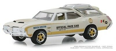 Greenlight 1972 Oldsmobile Vista Cruiser 56th Indy 500 Pace Car 1/64 30050