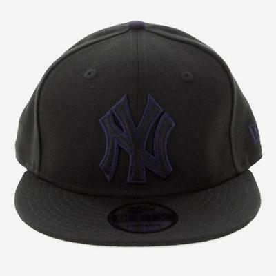 NY Yankees New Era MLB 9Fifty Flat Brim Baseball Hat In Black With Navy Outline