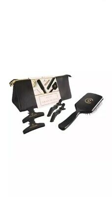 Cloud Nine The Gift of Love The Essentials Gift Set Hair Styler Straightener Bag