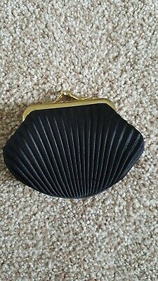 Vintage (?) Ribbed Black Coin Purse
