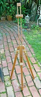 Older Italian MABEF artist's easel in excellent condition.
