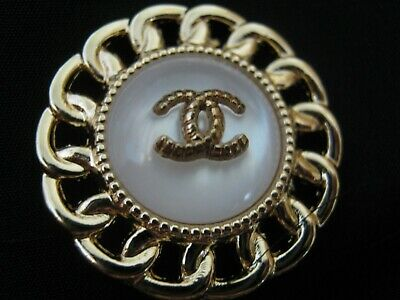 CHANEL  1 CC  MATTE CLEAN GOLD 24mm BUTTON THIS IS FOR ONE