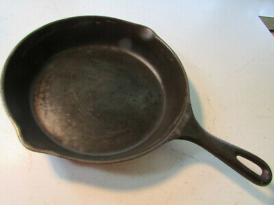"Antique Vollrath 9 1/2"" Cast Iron Skillet - Flat, Black, and Clean, Heat Ring"