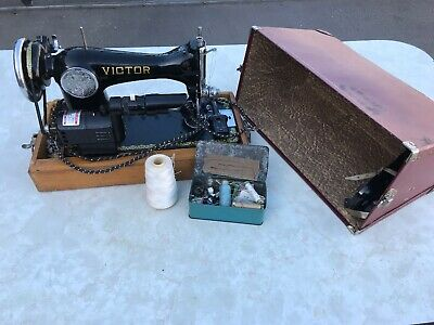 Vintage Sewing Machine Victor Singer Postable Case Sew Material Electric