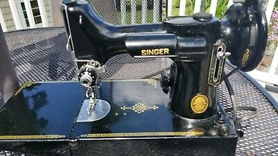 1952 Singer 221 Featherweight Sewing Machine w/Pedal, Case,extras SN. AL 013522