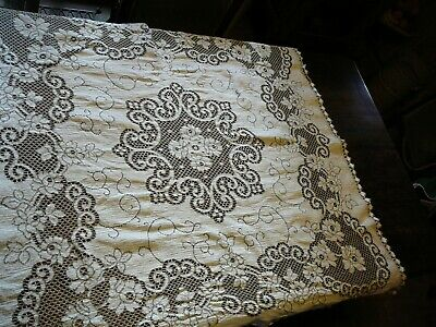 VINTAGE TABLE CLOTH square FLOWERS LACE