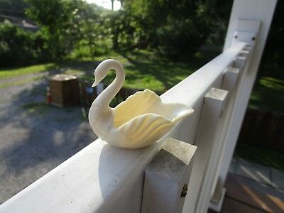 GORGEOUS~Mini Lenox Ivory-colored Swan Ring Trinket Dish~~USA!!