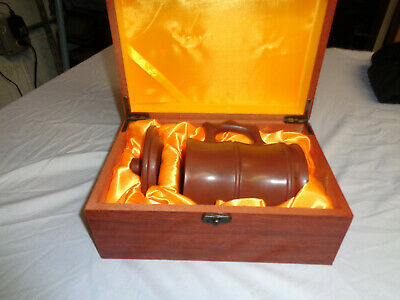 Oriental Mug With Lid And Wooden Box