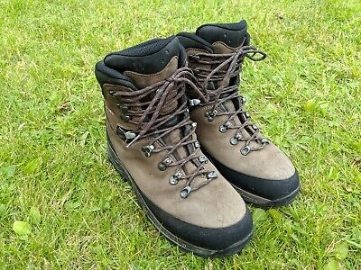 18a98329aab LOWA TIBET GTX Gore-Tex Boots Men's US Size 10 Pre-owned