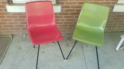 2 Vintage America Seating Bucket Plastic Chair Mid Century Retro