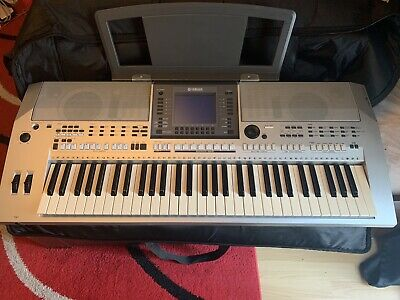 yamaha psr s700 IN GOOD CONDITION