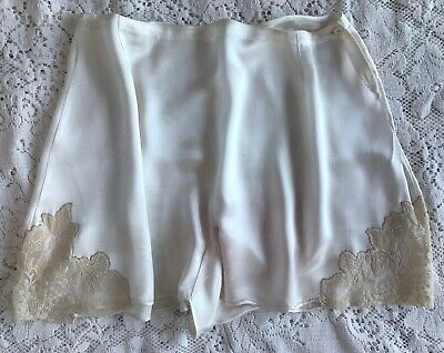 """PRETTY VINTAGE FRENCH KNICKERS / TAP PANTS, IVORY SATIN & LACE, 28.5"""" waist"""