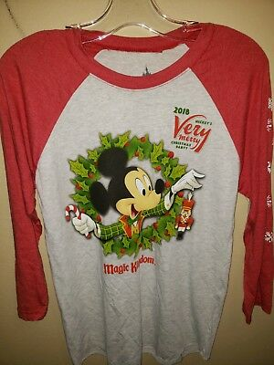 BRAND NEW Disney Mickey's Very Merry Christmas Party 2018 Unisex T-shirt SMALL
