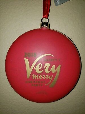 BRAND NEW Disney Mickey's Very Merry Christmas Party 2018 Mickey Ornament