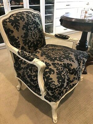 French Louis Style Armchair Pair - Antique white in excellent condition