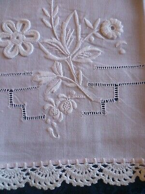 Vintage Guest Towel pale pink with white embroidered floral design crochet edge