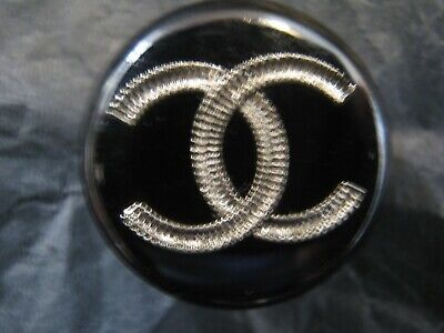 CHANEL  1 AUTHENTIC BLACK SILVER  cc 18 MM BUTTON THIS IS FOR ONE