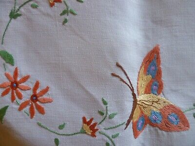 Vintage Hand Embroidered Butterfly & Floral Suppercloth With Hand Crocheted Edge