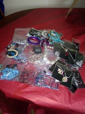 New Wholesale Joblot of 2kg of bagged and carded jewellery items